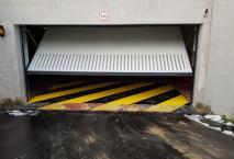 Porte de garage  métal à Roissy (95)