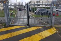 Portail encastré sur un site administratif à Cergy (92) Val d'Oise