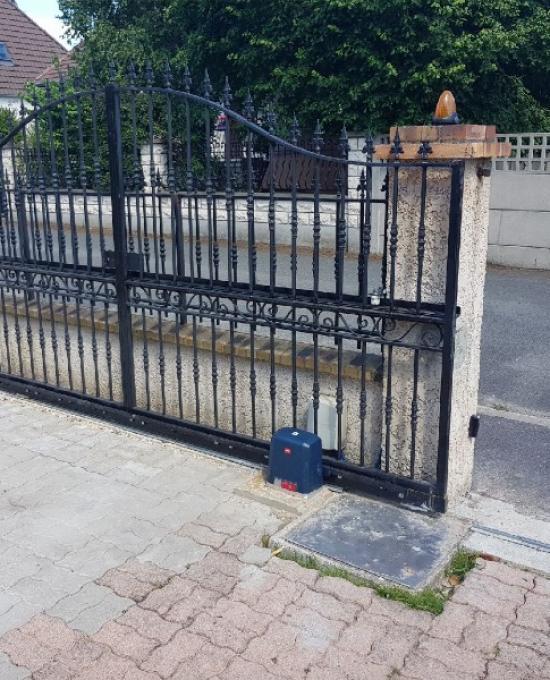 Plusieurs exemples de portails que nous avons installés et motorisés